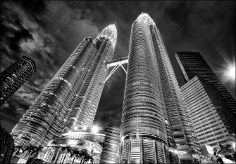 PETRONAS TOWERS PERSPECTIVE